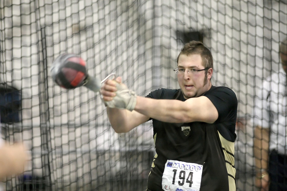 Windsor, Ontario ---13/03/09--- Justin Charrier of  the University of Manitoba competes in the men's weight throw at the CIS track and field championships in Windsor, Ontario, March 13, 2009..Sean Burges Mundo Sport Images
