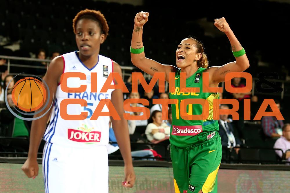 DESCRIZIONE : Ankara Turkey Turchia FIBA Basketball World Championship for Women Turkey 2014 Qualification to 1/4 Finals France Brazil Francia Brasile<br /> GIOCATORE : Erika Souza<br /> CATEGORIA : <br /> SQUADRA : Brasile Brazil<br /> EVENTO : FIBA Basketball World Championship for Women Turkey 2014<br /> GARA : France Brazil Francia Brasile<br /> DATA : 01/10/2014<br /> SPORT : Pallacanestro <br /> AUTORE : Agenzia Ciamillo-Castoria/ElioCastoria<br /> Galleria : FIBA Basketball World Championship for Women Turkey 2014<br /> Fotonotizia : Ankara Turkey Turchia FIBA Basketball World Championship for Women Turkey 2014 Qualification to 1/4 Finals France Brazil Francia Brasile