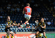 Wycombe, GREAT BRITAIN, Taking the high ball, during the Guinness Premiership match,  London Wasps vs Worcester Warriors at Adam's Park Stadium, Bucks on Sun 14.09.2008. [Photo, Peter Spurrier/Intersport-images]