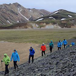 05-07-2014 NED: Iceland Diabetes Challenge dag 1, Landmannalaugar <br /> Vandaag ging de challenge van start. Met een bus gingen we van Vogar naar Landmannalaugar en zagen we de eerste tekenen van het prachtige landschap van IJsland / Team