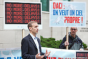 Le WWF, Équiterre et l'AQLPA demandent à  l'OACI de convenir d'un plan mondial de réduction des émissions pendant la réunion de Montréal - WWF, Equiterre and AQLPA are calling on ICAO to agree on a global plan at ongoing meeting in Montreal .. -  ICAO-OACI 999 University / Montreal / Canada / 2013-05-21, Photo © Marc Gibert / adecom.ca