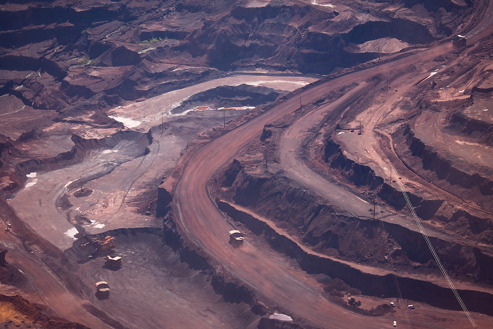"Serra Dos Carajas. Largest open pit iron mine in the world owned by ""Mineraçao do Vale do Rio Doce""..Daniel Beltra/Greenpeace"