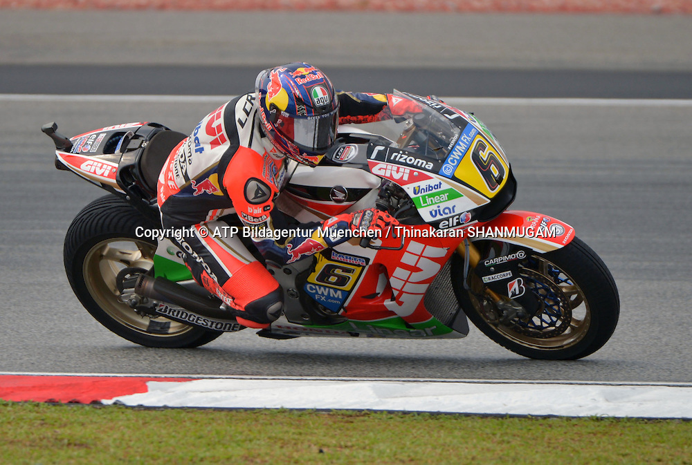 6, Stefan BRADL, GER, LCR Honda MotoGP , HONDA<br /> MOTO GP, Malayia Motorcycle Grand Prix - Grosser Preis von Malaysia Motorrad-WM -  MotoGP - 24 Okt. 2014 Honorarpflichtiges Foto, Fee liable image, Copyright &copy; ATP Thinakaran SHANMUGAM