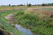 Nederland, the netherlands, Brummen, 6-8-2018 De Uitvliet is drooggevallen vanwege de aanhoudende droogte . Op de achtergrond Zutphen .Foto: Flip Franssen