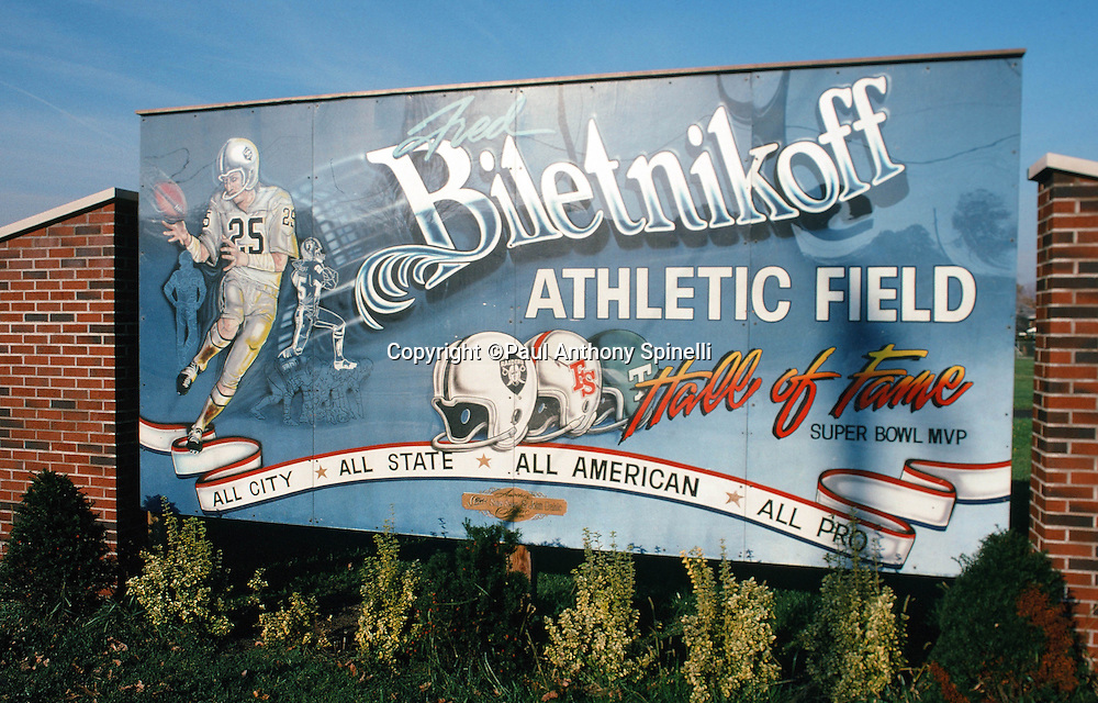 A billboard honors Oakland Raiders wide receiver Fred Biletnikoff for his accomplishments as an All City, All State, All American, NFL All Pro, Super Bowl MVP, and Hall of Fame football career on Oct. 29, 1989 in Erie, Pa. (©Paul Anthony Spinelli)