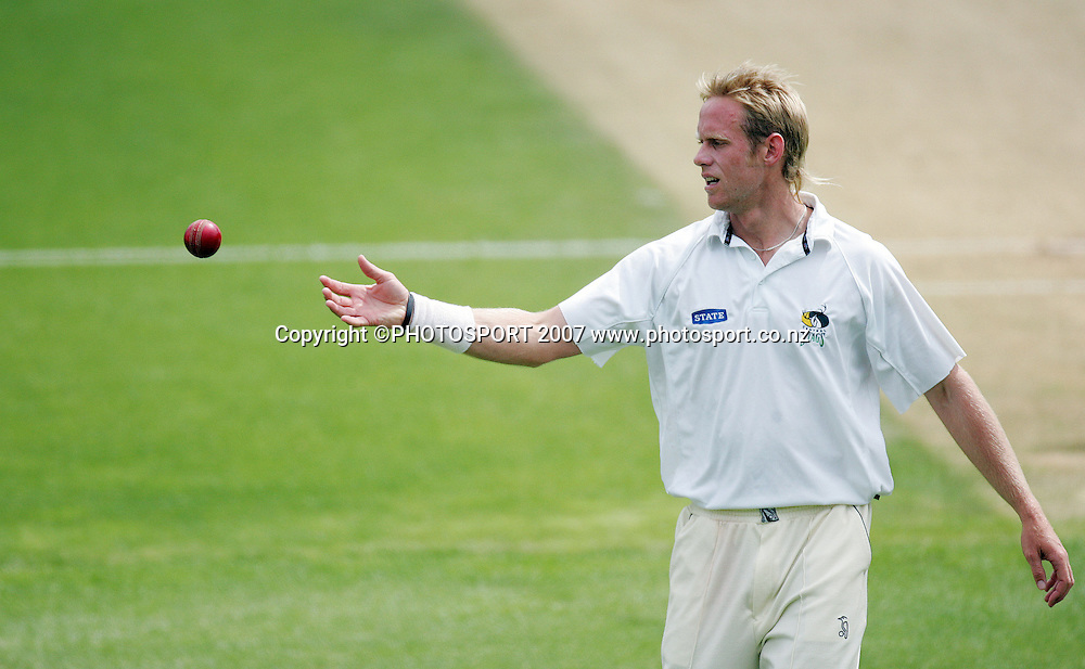 Central's Brendon Diamanti. Auckland Aces v Central Stags. State Championship Cricket. Eden Park Outer Oval, Auckland, New Zealand. Tuesday 20 November 2007. Photo: Hagen Hopkins/PHOTOSPORT