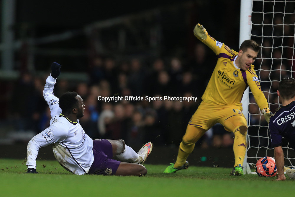 13 January 2015 - The FA Cup 3rd Round (Replay)  - West Ham v Everton - Romelu Lukaku of Everton scores a goal to make it 1-2 - Photo: Marc Atkins / Offside.