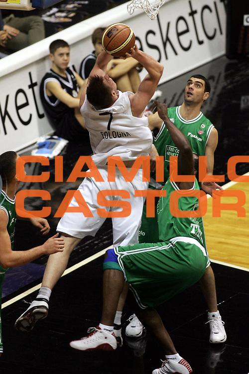 DESCRIZIONE : Bologna Lega A1 2005-06 Caffe Maxim Virtus Bologna Benetton Treviso <br />GIOCATORE : Lang<br />SQUADRA : Caffe Maxim Virtus Bologna<br />EVENTO : Campionato Lega A1 2005-2006 <br />GARA : Caffe Maxim Virtus Bologna Benetton Treviso <br />DATA : 18/12/2005 <br />CATEGORIA : Tiro<br />SPORT : Pallacanestro <br />AUTORE : Agenzia Ciamillo-Castoria/G.Ciamillo