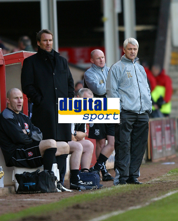 Photo: Dave Linney.<br /> Walsall v Tranmere Rovers. Coca Cola League 1.<br /> 26/12/2005.<br /> Walsall's manager Paul Merson (L) and Tranmere's Manager Brian Little in the dugout.