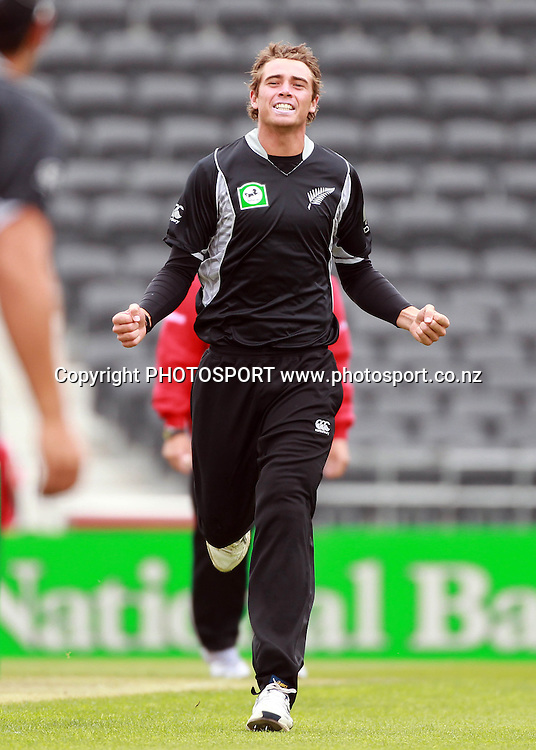 Tim Southee celebrates the wicket of Ahmed Shehzad during the 3rd ODI, Black Caps v Pakistan, One Day International Cricket. AMI Stadium, Christchurch, New Zealand. Saturday 29  January 2011. Photo: Andrew Cornaga/photosport.co.nz