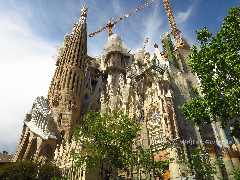 La Sagrada Familia, the Gaudi church still inn construction now.