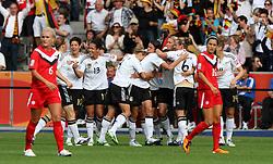 26.06.2011, Olympiastadion Berlin, Berlin, GER, FIFA Women's Worldcup 2011, Gruppe A,  Deutschland (GER) vs. Canada (CAN),. im Bild Torjubel Deutschland nach dem 1:0 durch Kerstin Garefrekes (GER)  during the FIFA Women's Worldcup 2011, Pool A, Germany vs Canada on 2011/06/26, Olympiastadion, Berlin, Germany.  .EXPA Pictures © 2011, PhotoCredit: EXPA/ nph/  Hessland       ****** out of GER / SWE / CRO  / BEL ******