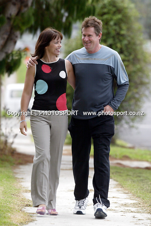 John Walker with wife Helen at a photoshoot for Womans Day Magazine 22 March 2003. Photo: Andrew Cornaga / PHOTOSPORT