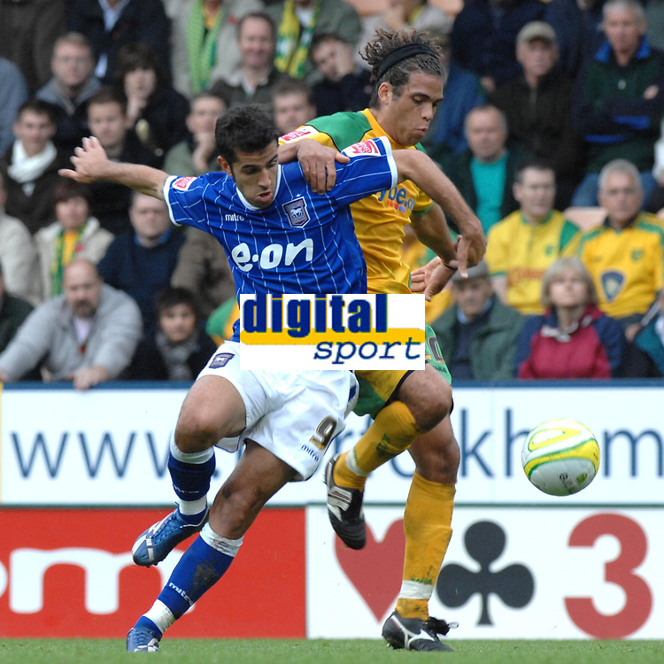 Photo: Ashley Pickering/Sportsbeat Images.<br /> Norwich City v Ipswich Town. Coca Cola Championship. 04/11/2007.<br /> Pablo Counago of Ipswich (L) and Darel Russell of Norwich