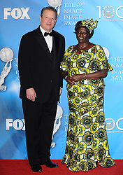 Al Gore and Dr. Wangari Maathai attend the 40th NAACP Image Awards held at the Shrine Auditorium in Los Angeles, CA, USA on February 12, 2009. Photo by Lionel Hahn/ABACAPRESS.COM  Award Gore Al Gore Al Maathai Wangari Muta Maathai Wangari Maathai Wangari Muta Maathai Wangari NAACP Image Awards Soiree Party Los Angeles USA United States of America Vereinigte Staaten von Amerika Etats-Unis Etats Unis  | 178300_023 Los Angeles