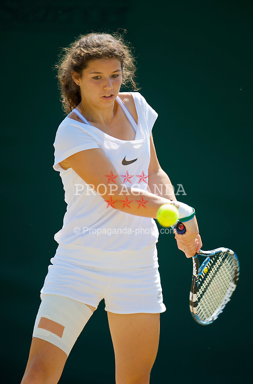 LONDON, ENGLAND - Tuesday, June 30, 2009: Ilinca Stoica (ROU) during the Girls' Singles 2nd Round match on day eight of the Wimbledon Lawn Tennis Championships at the All England Lawn Tennis and Croquet Club. (Pic by David Rawcliffe/Propaganda)