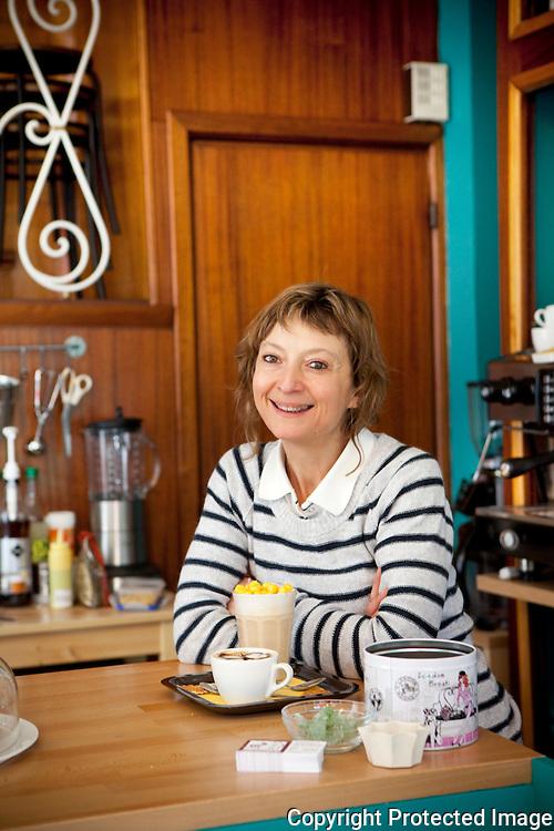 367560-nieuwe zaak-De Dikke Kat-Koffiebar/kunstgallerij-Isabelle Malka-Kasteelpleinstraat 26 Antwerpen