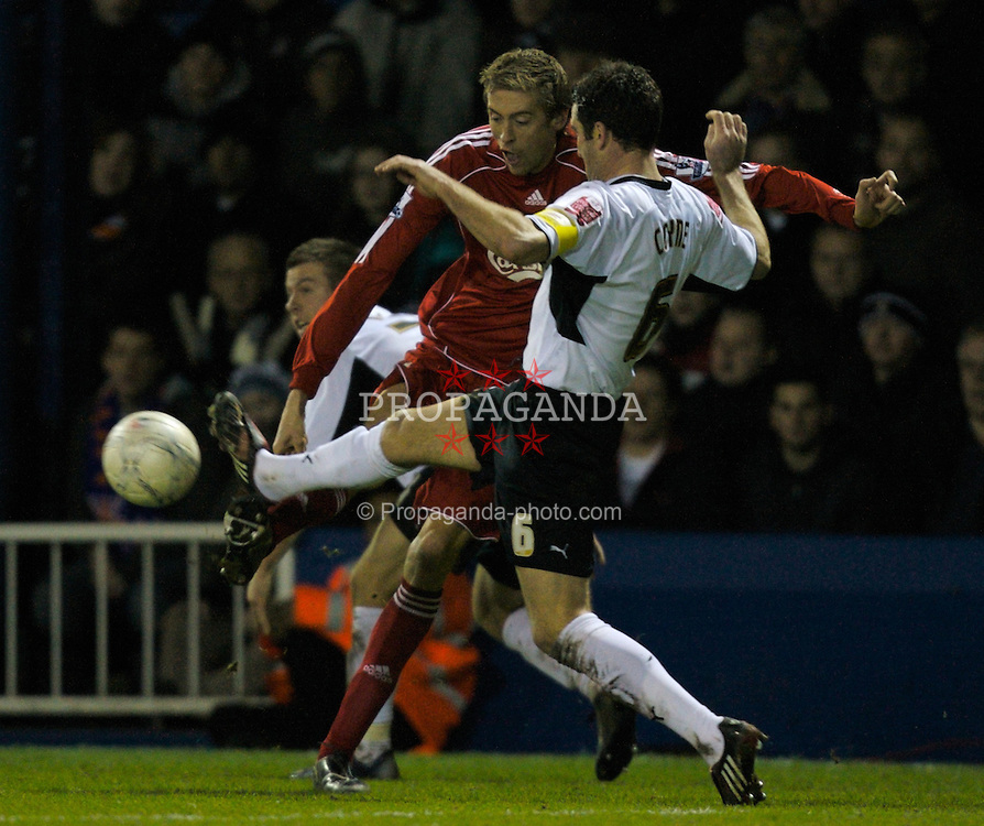 LUTON, ENGLAND - Sunday, January 6, 2008: Liverpool's Peter Crouch and Luton Town's Chris Coyne during the FA Cup 3rd Round match at Keniworth Road. (Photo by David Rawcliffe/Propaganda)