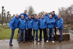 08-03-2006 WIELRENNEN: TEAMPRESENTATIE AA CYCLINGTEAM: ALPHEN AAN DE RIJN<br /> AA Dink Team<br /> Copyrights: WWW.FOTOHOOGENDOORN.NL