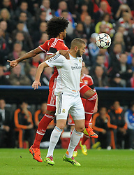 29.04.2014, Allianz Arena, Muenchen, GER, UEFA CL, FC Bayern Muenchen vs Real Madrid, Halbfinale, Ruckspiel, im Bild vl.: Dante (FC Bayern Muenchen) gegegn Karim Benzema (Real Madrid) // during the UEFA Champions League Round of 4, 2nd Leg Match between FC Bayern Munich vs Real Madrid at the Allianz Arena in Muenchen, Germany on 2014/04/30. EXPA Pictures &copy; 2014, PhotoCredit: EXPA/ Eibner-Pressefoto/ Stuetzle<br /> <br /> *****ATTENTION - OUT of GER*****