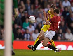 Manchester, England - Thursday, April 26, 2007: Liverpool's Craig Lindfield and Manchester United's Corry Evans during the FA Youth Cup Final 2nd Leg at Old Trafford. (Pic by David Rawcliffe/Propaganda)