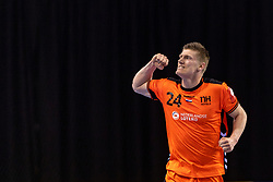 11-04-2019 NED: Netherlands - Slovenia, Almere<br /> Third match 2020 men European Championship Qualifiers in Topsportcentrum in Almere. Slovenia win 26-27 / Jeffrey Boomhouwer #24 of Netherlands