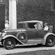 1928 Studebaker Dictator Cabriolet.