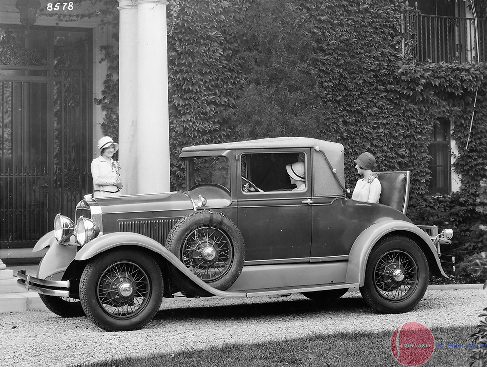 1929 Studebaker Dictator Cabriolet.