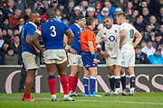 Twickenham, United Kingdom. 7th February, Referee Nigel OWENS, talks to Kyle SINCKLER, with both captaions  present, England vs France, 2019 Guinness Six Nations Rugby Match   played at  the  RFU Stadium, Twickenham, England, <br /> &copy; PeterSPURRIER: Intersport Images