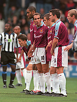 West Ham wall (L>R) Michael Carrick, Frederic Kanoute, Paolo Di Canio, Joe Cole and Frank Lampard. West Ham United v Newcastle United. FA Premiership, 28/10/00. Credit: Colorsport / Nick Kidd.