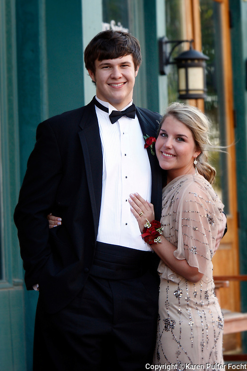 Jessica Focht and Clayton Killabrew going to prom in Memphis, Tennessee.