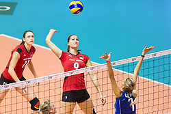 25.09.2011, Hala Pionir, Belgrad, SRB, Europameisterschaft Volleyball Frauen, Vorrunde Pool A, Deutschland (GER) vs. Frankreich (FRA), im Bild Corina Ssuschke-Voigt (#9 GER / Sopot POL) - Jelena Lozancic (#7 FRA) // during the 2011 CEV European Championship, First round at Hala Pionir, Belgrade, SRB, Germany vs. France, 2011-09-25. EXPA Pictures © 2011, PhotoCredit: EXPA/ nph/  Kurth       ****** out of GER / CRO  / BEL ******