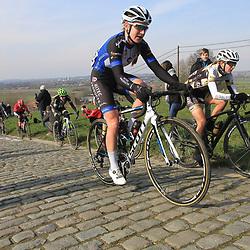 27-02-2016: Wielrennen: Omloop Nieuwsblad vrouwen: Gent<br /> GENT (BEL) wielrennen<br /> De opening van het Noord Europese wielerseizoen is traditioneel de opening van het wielerseizoen bij de mannen en vrouwen.