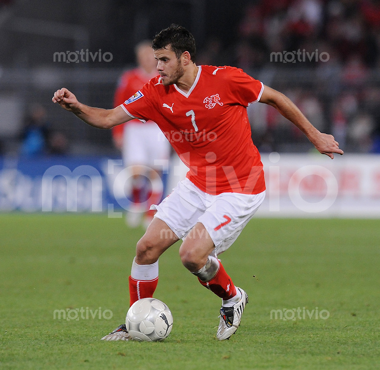 Fussball International   WM  2010  Qualifikation  Gruppe 2    14.10.2009 Schweiz - Israel Tranquillo Barnetta  (SUI) am Ball