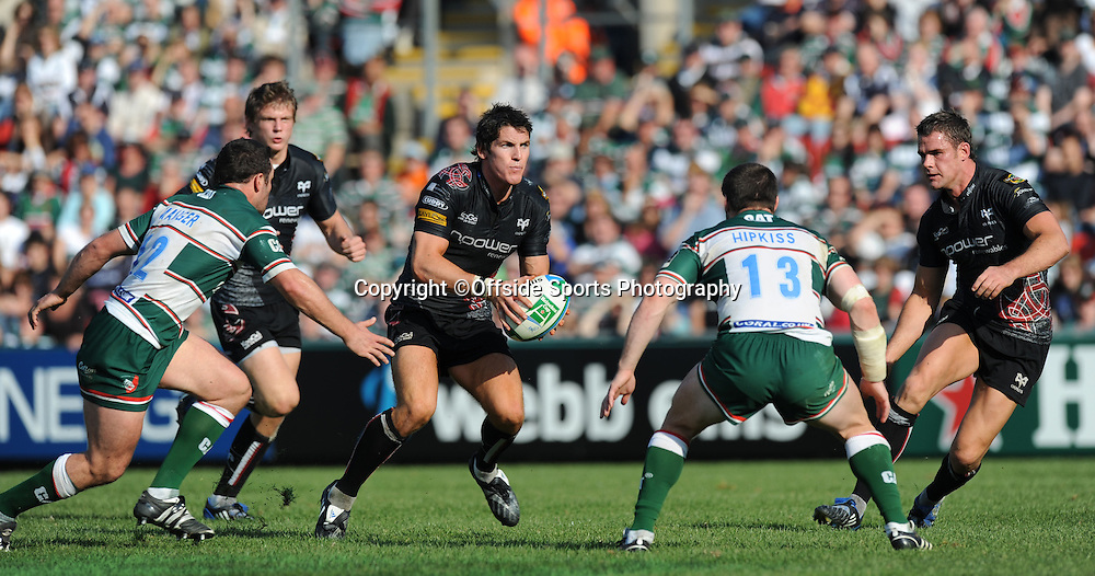 12/10/2008. Rugby Union. Heineken Cup, Pool 3. Leicester Tigers v Ospreys. James Hook can find no way through the Leicester defence. Leicester, UK. Photo: Offside/Steve Bardens.