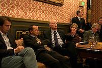 08 DEC 2004, CAIRO/EGYPT:<br /> Peter Struck (M), SPD, Bundesverteidigungsminister, Martin Kobler (2.v.L.), deutscher Botschafter in Aegypten, Christoph Schmidt (L), Der Spiegel, und weitere Journalisten, waehrend einem Hintergrundgespraech, im Rahmen einer Reise nach Aegypten<br /> IMAGE: 20041208-01-001<br /> KEYWORDS: Gize, Ägypten, Journalist, Hintergrundgespräch, Kairo