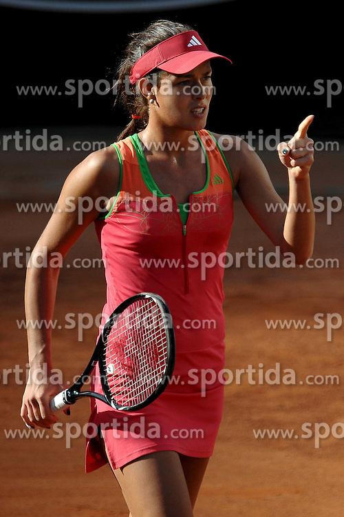 11.05.2011, Foro Italico, Rom, ITA, WTA World Tour, Rome Masters, im Bild Ana Ivanovic of Serbia during the match against Yanina Wickmayer of Belgium .Roma 11/5/2011 Foro Italico.Internazionali BNL d'Italia - Tennis., EXPA Pictures © 2011, PhotoCredit: EXPA/ InsideFoto/ Andrea Staccioli *** ATTENTION *** FOR AUSTRIA (AUT), SLOVENIA (SLO), SERBIA (SRB) an CROATIA (CRO) ..CLIENT ONLY!