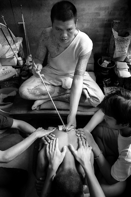 Tattoo Festival at Wat Bang Phra, a Buddhist temple in the town of Nakhorn Chaisri. March 2003.©David Dare Parker/AsiaWorks Photography