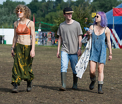 © Licensed to London News Pictures. 30/08/2015. Reading, UK.  Festival goers at Reading Festival 2015, Day 3 Sunday.  Photo credit: Richard Isaac/LNP