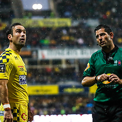 Referee Adrien DESCOTTES and Morgan PARRA of Clemont during the Top 14 match between Clermont and Lyon on October 20, 2019 in Clermont-Ferrand, France. (Photo by Romain Biard/Icon Sport) - Morgan PARRA - Adrien DESCOTTES - Stade Marcel Michelin - Clermont Ferrand (France)