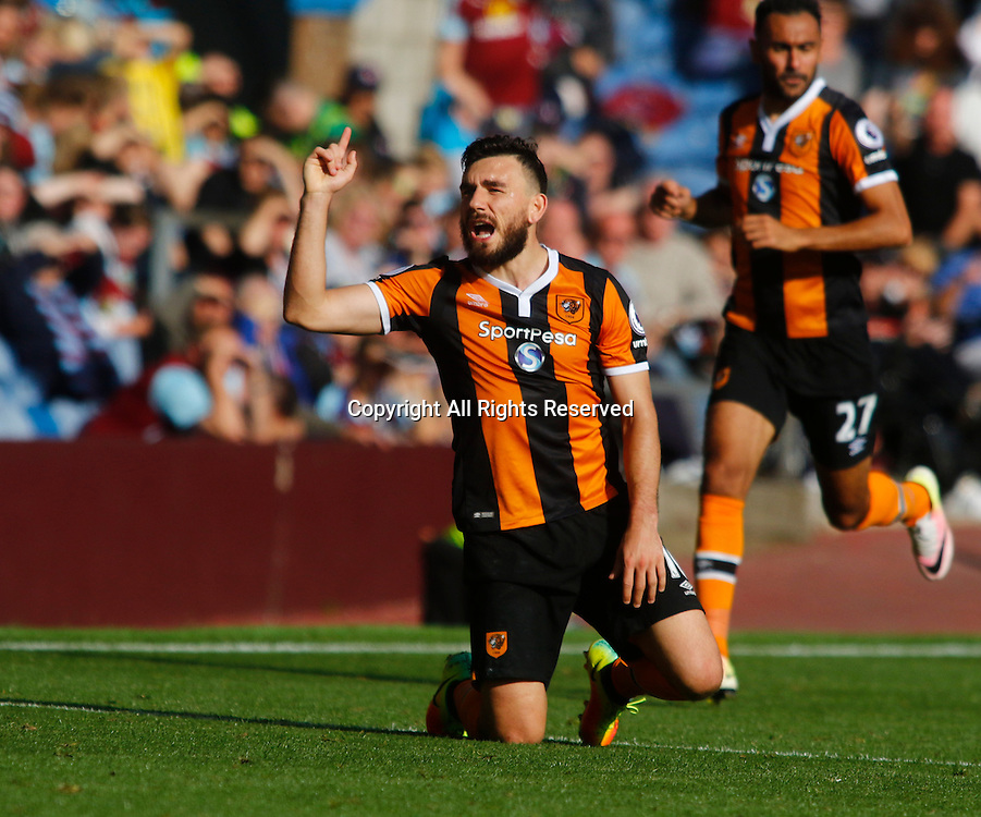 10.09.2016. Turf Moor, Burnley, England. Premier League Football. Burnley versus Hull City. Hull City midfielder Robert Snodgrass makes a point to referee Paul Tierney after he is fouled.