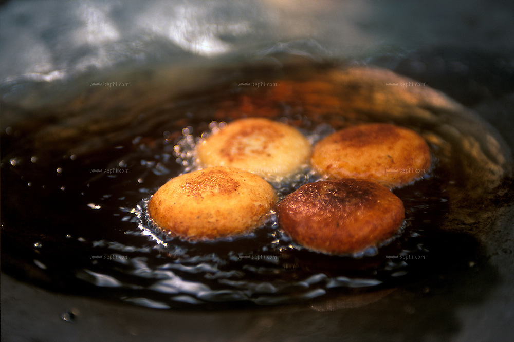 Aloo Tikki / fried potato patties