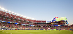 SANTA CLARA, USA - Saturday, July 30, 2016: Liverpool take on AC Milan during the International Champions Cup 2016 game on day ten of the club's USA Pre-season Tour at the Levi's Stadium. (Pic by David Rawcliffe/Propaganda)