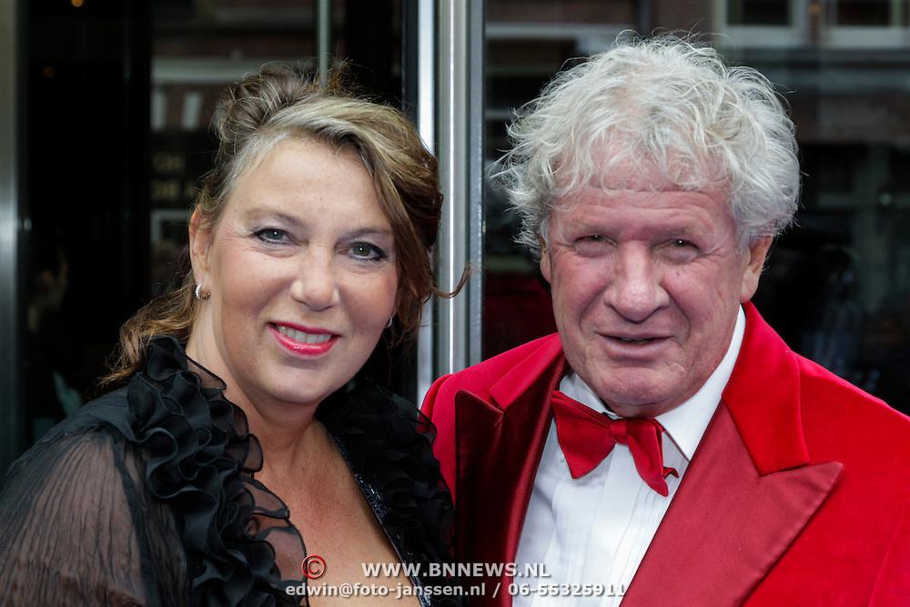 NLD/Amsterdam/20120923- Premiere musical De Jantjes, Willibrord Frequin en partner Gesina Lodewijkxs