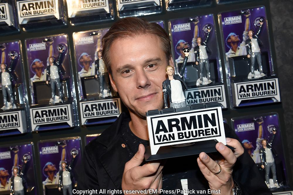 DJ's Armin van Buuren en Hardwell vereeuwigd als action figure // DJs Armin van Buuren and Hardwell as action figure<br /> <br /> Op de foto / On the photo:  Armin van Buuren