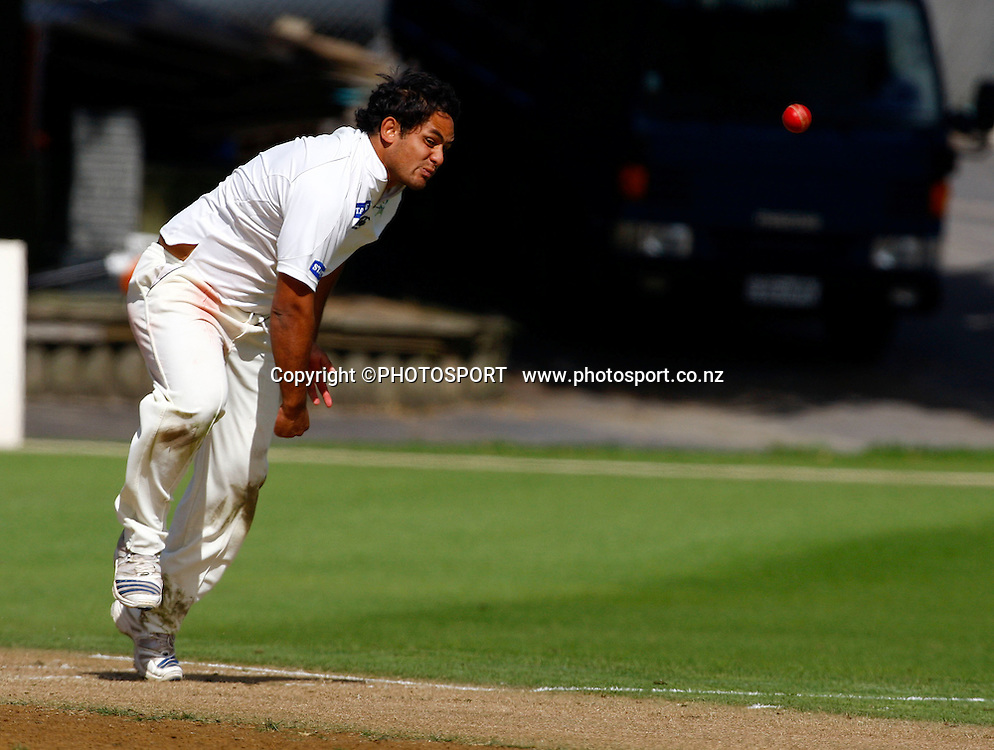 Kieran Noema-Barnett in action, State Championship cricket, Auckland Aces v Central Stags, Eden Park Outer Oval, Auckland. 30 March 2009. Photo: William Booth/PHOTOSPORT