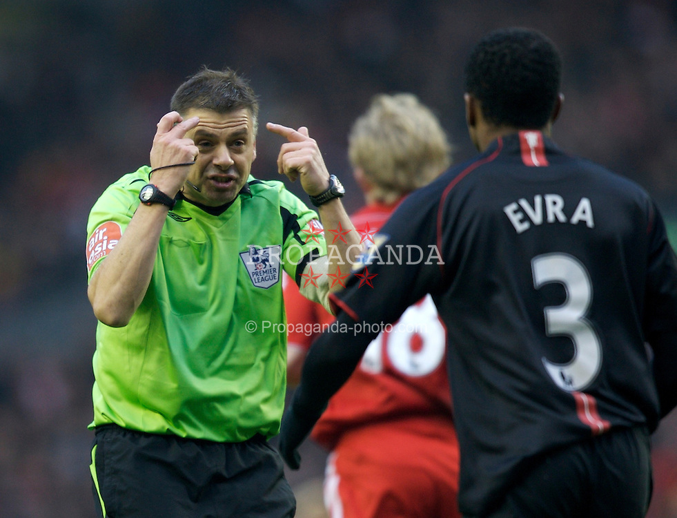 LIVERPOOL, ENGLAND - Sunday, December 16, 2007: Referee Mark Halsey during the Premiership match at Anfield. (Photo by David Rawcliffe/Propaganda)
