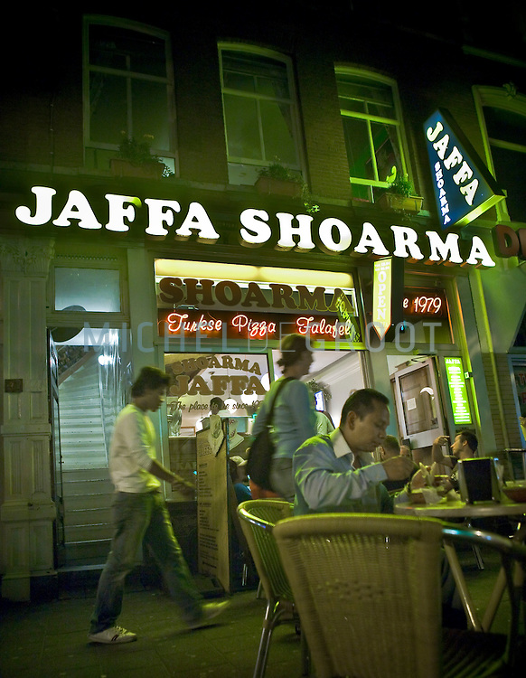 Shoarma Jaffa aan de Witte de Withstraat op 06 August, 2008 in Rotterdam, The Netherlands. (photo by Michel de Groot)