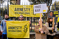 Roma 15 Gennaio 2015<br /> Sit-in di Amnesty International Italia, davanti all'Ambasciata dell'Arabia Saudita  per chiedere l&rsquo;annullamento della condanna a 10 anni di carcere e a 1000 frustate inflitta a Raif Badawi blogger saudita imprigionato con l'accusa di apostasia.<br /> Rome January 15, 2015<br /> Sit-in of Amnesty International Italy, in front of the Embassy of Saudi Arabia to ask for the annulment of the sentence of 10 years in prison and 1000 lashes inflicted on Raif Badawi Saudi blogger jailed on charges of apostasy.