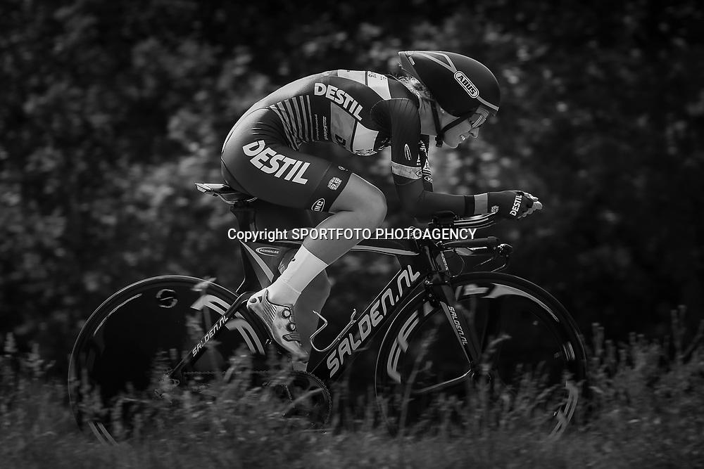 21-06-2017: Wielrennen: NK Tijdrijden: Montferland      <br /> s-Heerenberg (NED) wielrennen <br /> Pauliena Rooijakkers